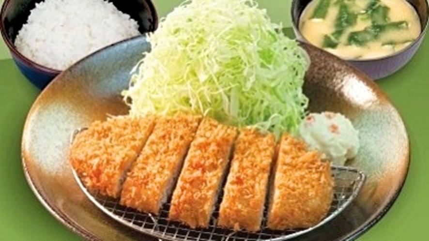 「とんかつ松のや」選べる特製朝定食『朝ロースかつ定食』(朝5時~11時)