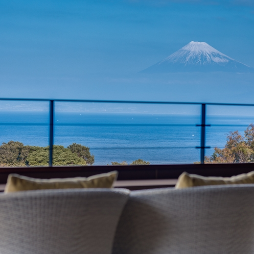 「結てらす」から眺める富士山