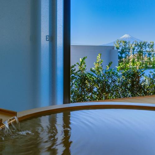 客室露天風呂から眺める富士山