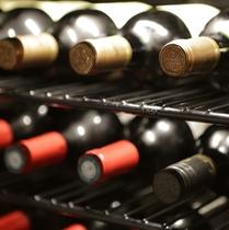 ワインも豊富 お料理とのマリアージュをお楽しみくださいませ