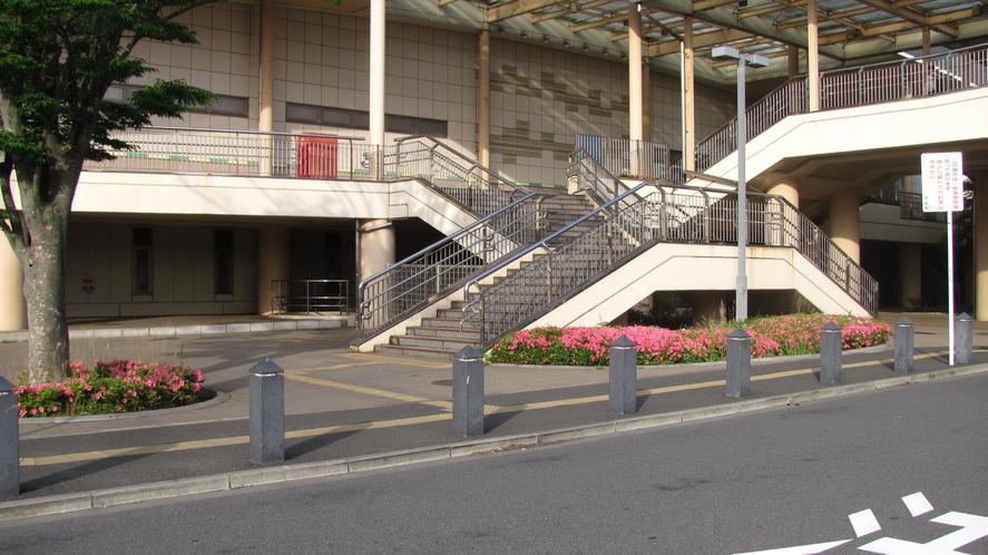【舞浜駅 北口】※送迎バス発着場所