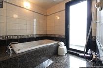 当ホテル自慢のお風呂です。