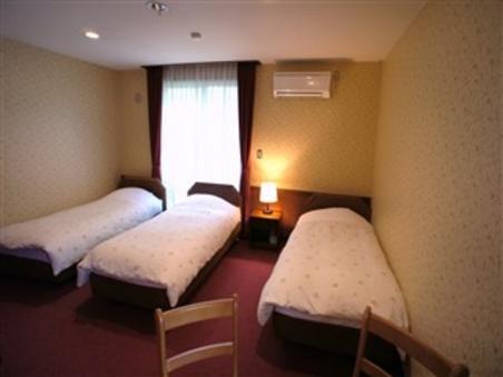 3人部屋(バス・トイレ付/禁煙室)