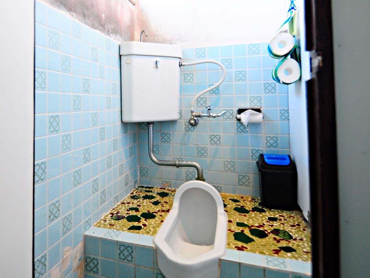 【本館2階】男性用共同トイレ