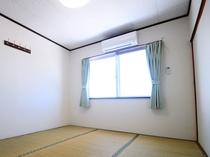 【和室6畳】窓からは海が見えます♪