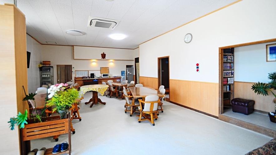 【食堂】玄関のすぐ横が食堂です。