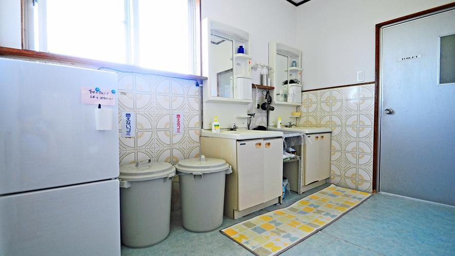 【共同設備】洗面台・冷蔵庫は本館2階にもございます。