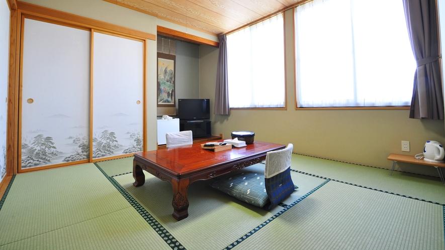 【和室8畳】落ち着いた雰囲気でゆったりと過ごせます