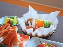 【ご夕食一例:よねしろプラン】旬魚を使用した寄せ鍋など、贅沢なお料理内容をご用意いたします。