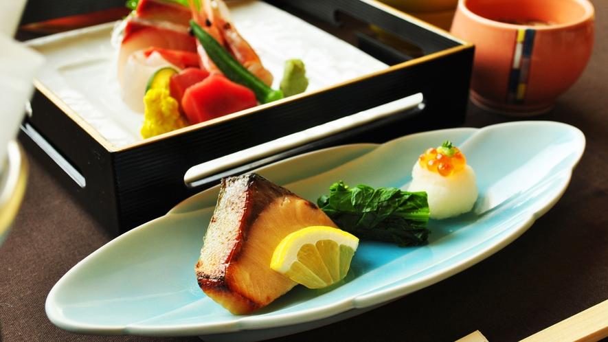 【ご夕食一例:くまげらプラン】季節の味わいを焼魚でお召し上がりください。