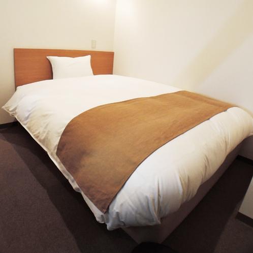 *【洋室全室】ベッドは広々使えるセミダブルベッドを完備