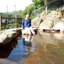 【足湯】宿から徒歩2分程の場所で「足湯スポット」をお楽しみいただけます。