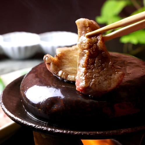【宮座牛の陶板焼き】