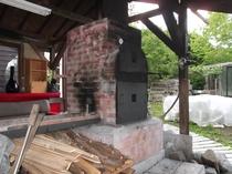 手造りBBQハウスとピザ窯