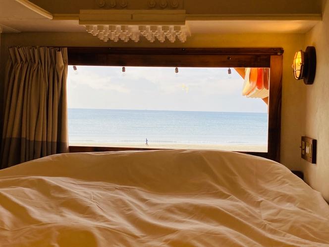 ベッドからの景色♪