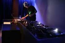 HOWL DJ4