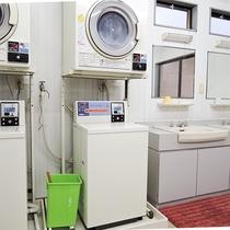 *(男性大浴場)脱衣所にコインランドリーを設置。