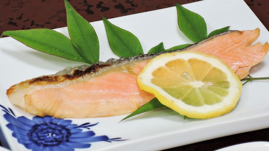 *【夕食一例】栄養バランスを重視の夕食。