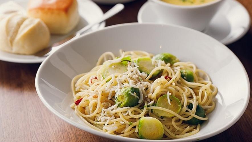 ■【ランチ】【オススメ】しらすと野菜のペペロンチーノランチ