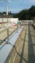 ★上り線駐車場からの歩道橋★一番奥、左側の階段を下りたら、すぐです。