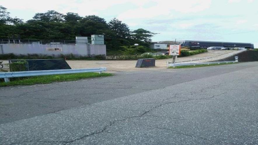 多賀SA一般道無料駐車場(ぷらっとパーク)★24時間入出庫OK(普通車約35台)