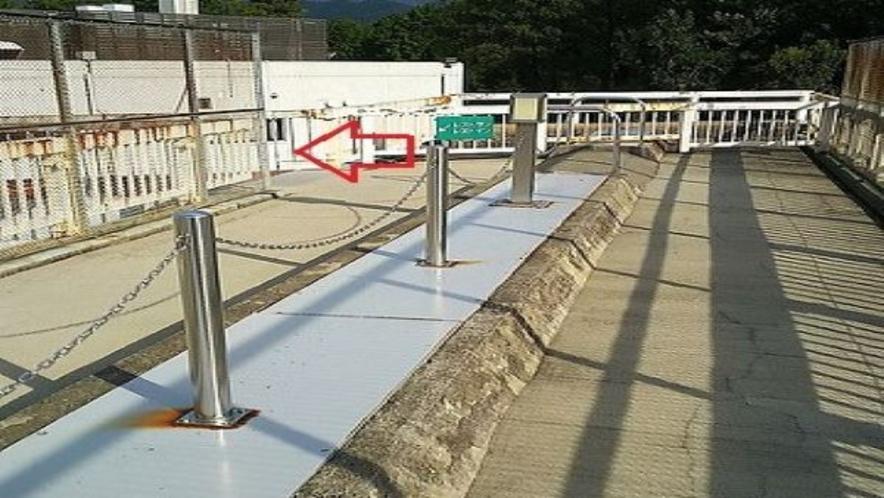 上り線駐車場からの歩道橋④ 徒歩約5分