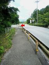 ★一般道からお越しの方へ★多賀SA下り線への看板(道路右側)を左折 国道307号線 大阪→彦根側