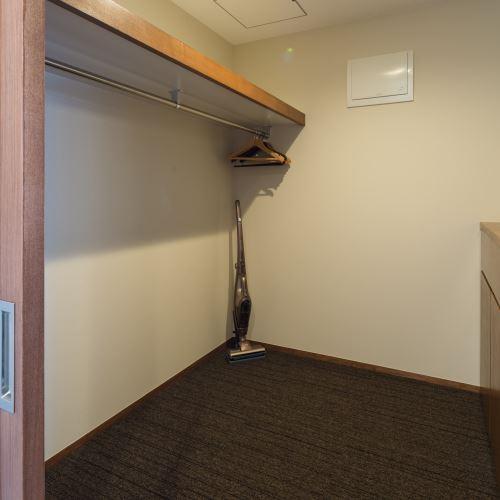 【ティーダ】荷物の多いお客様でも十分に収納ができるスペースです