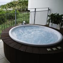 【ジャグジー】季節・時間を気にせず沖縄を堪能できます。