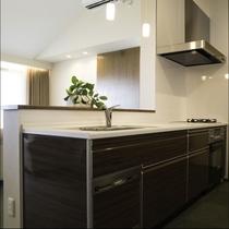 【キッチン】充実した設備のシステムキッチン
