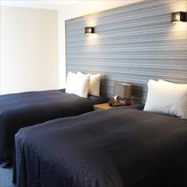 【ティーダ】ベッドルーム②セミダブル2台、高級ベッドメーカーSealy(シーリー)のベッドを完備