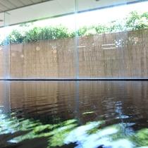 *温泉一例/大きな湯船に身を委ね、日頃の疲れをリフレッシュしてください。