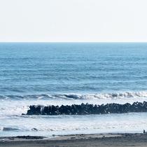 *目の前の海の景色/海で遊んで、温泉に浸かって、美味しいものを満喫♪