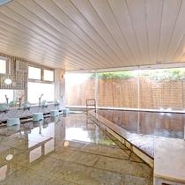 *温泉大浴場/飯岡温泉 は独特な黒褐色の温泉で、きりきず、やけど、慢性皮膚病など効能様々!