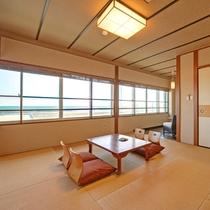 *和室一例/全室12畳以上&オーシャンビューでお部屋からはどこまでも続く青い水平線を一望!