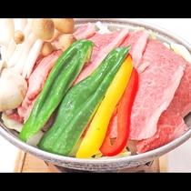 *【肉料理一例】基本のお料理は海鮮だけでなくジューシーな肉料理もご用意しております。