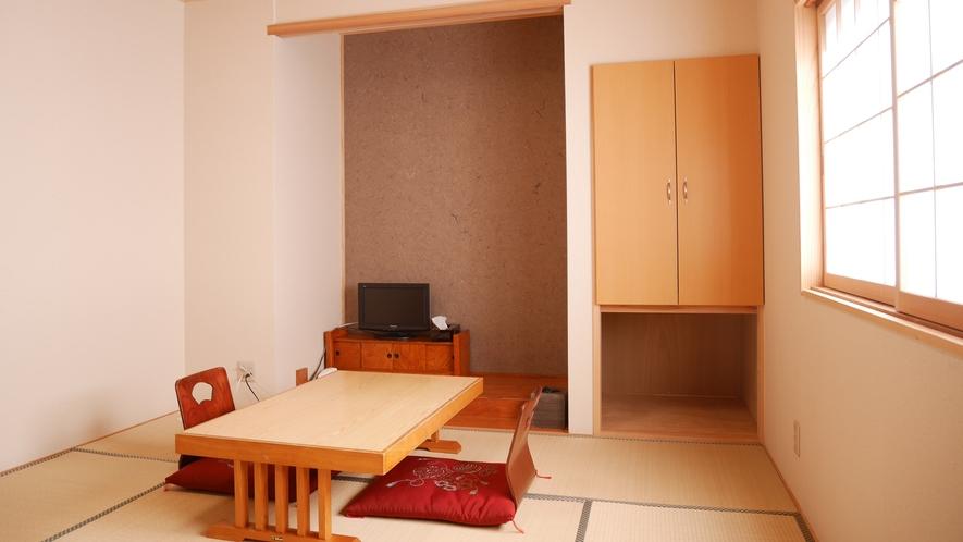 *和室7畳半・夕凪/足を伸ばしてお寛ぎいただける心地よい和室。