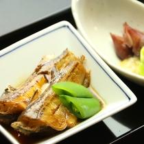 煮魚とホタルイカ