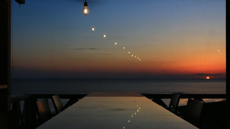 どこまでも続く道があるような。時間を忘れて魅入ってしまう景色です。