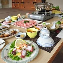 【夕食一例】和食中心のボリューム満点の家庭料理です