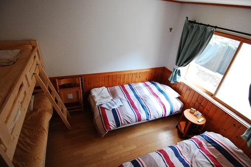 ★彡デラックスワイドベッド2台+2段ベッドでわくわくステイ