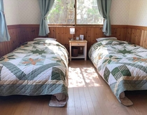 ふかふかのワイドシングルベッド