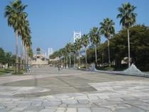ホテルから車で30分 瀬戸大橋記念公園プロムナード