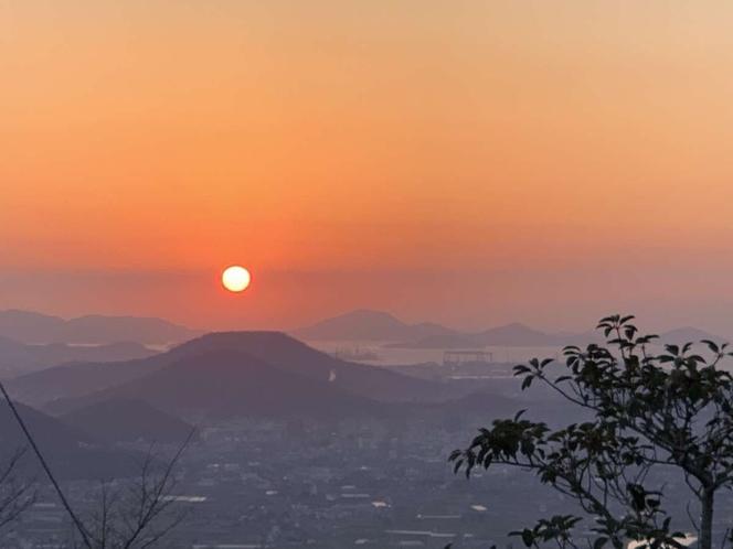 ホテルからの景観(夕陽)