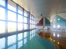 瀬戸大橋と坂出市街の景色を眼下に望む天然温泉大浴場