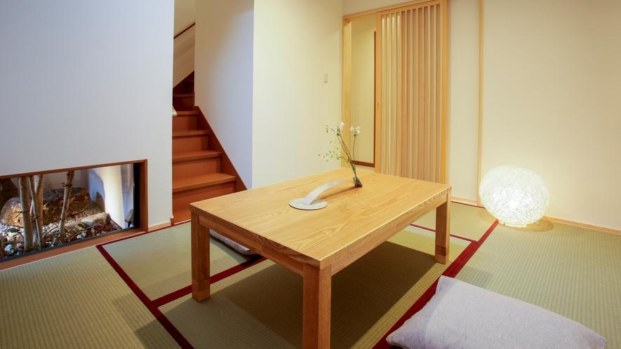 【中の棟1F】坪庭を楽しめる6畳の和室