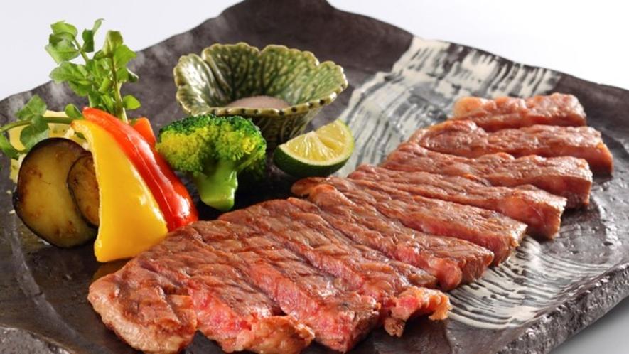 【ボリューム満点のステーキをどうぞ!】※写真は一例