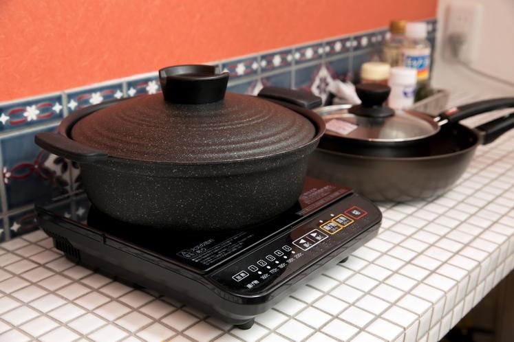 お鍋、IHクッキングヒーター♪お米も炊けますよ♪なんとお米のサービスまでございます♪