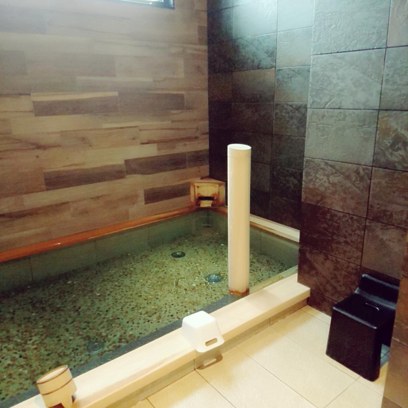 ●1階男性大浴場 浴槽 ○