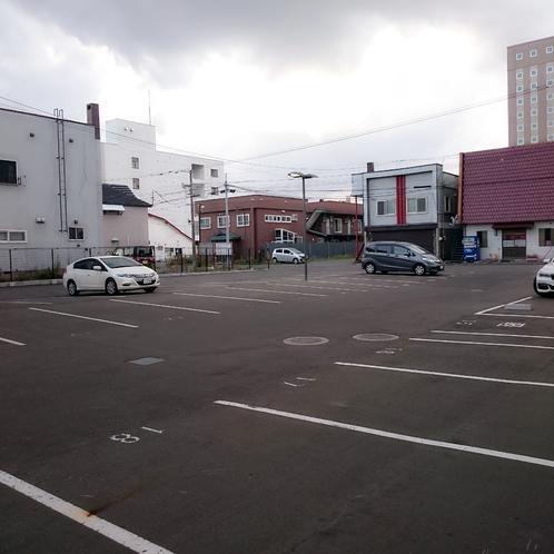 駐車場 ホテル横